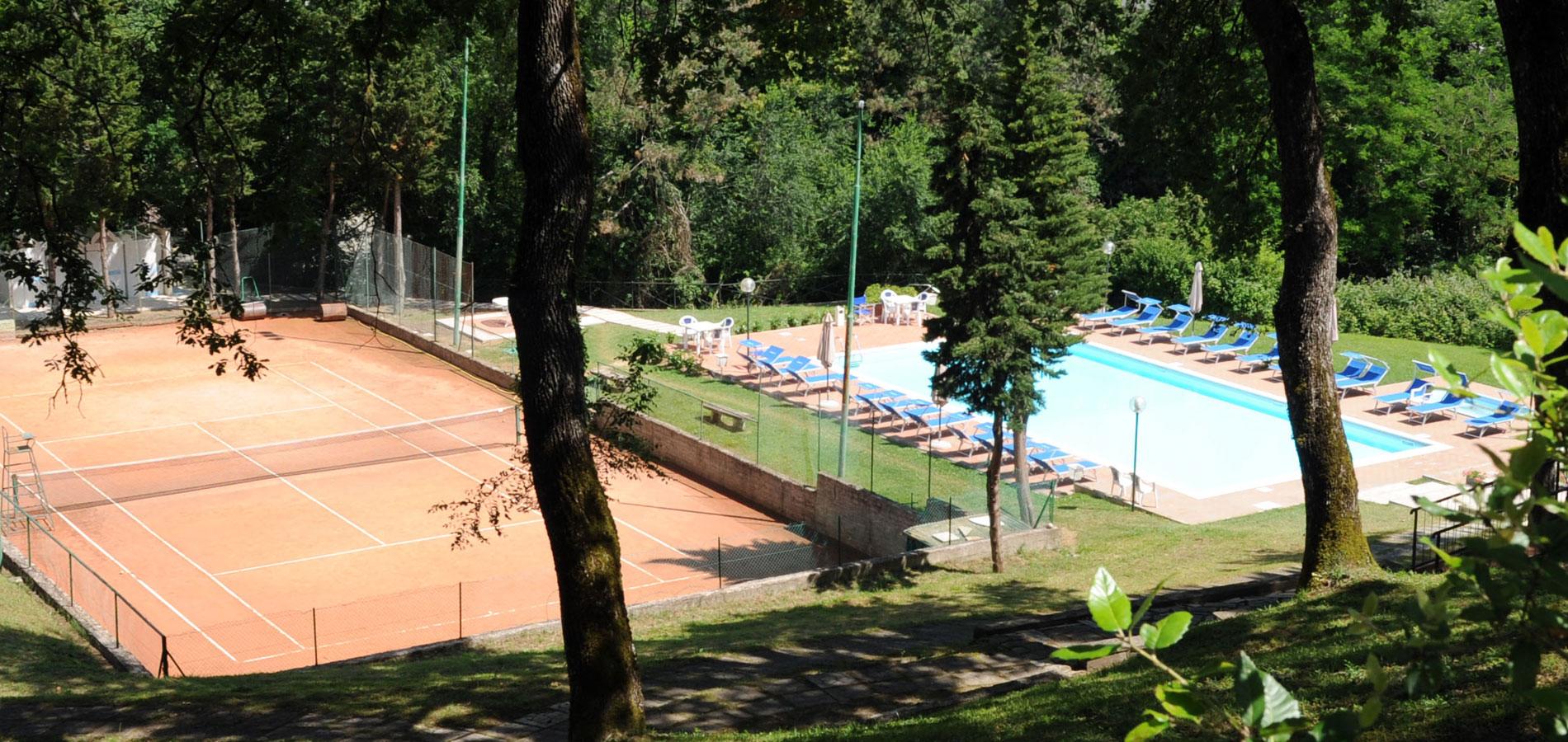 piscina-tennis-chianciano